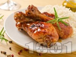 Вкусни печени пилешки парти бутчета глазирани с мед и соев сос на грил фурна - снимка на рецептата